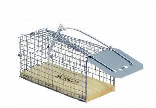 Sklopec na myši kovový, dřevěné dno