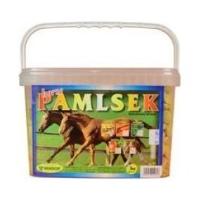 MIKROP Pamlsek pro koně melasa 2,5 kg